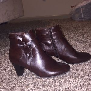 NWB Life Stride Ankle Boots